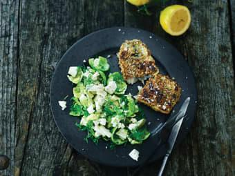 Panert sild med frisk salat