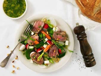 Lammesalat med sprø grønnsaker