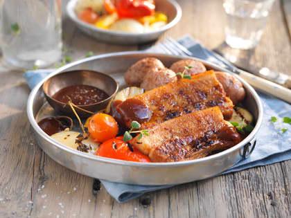 Grillribbe med ovnsbakte grønnsaker