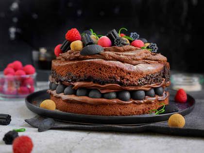 Sjokoladekake med lakriskuler og lakrisfyll