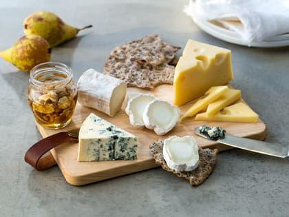 Lite ostefat med blåmuggost og chevre