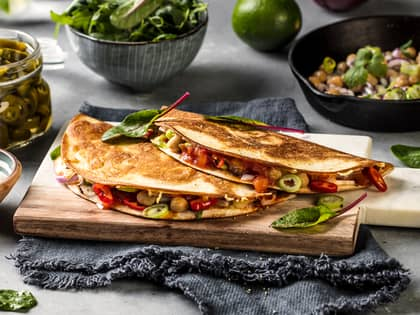 Vegetar quesadillas med kikerter
