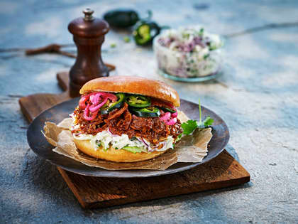 Vegetarburger med coleslaw