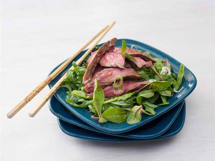 Asiatisk salat med entrecote