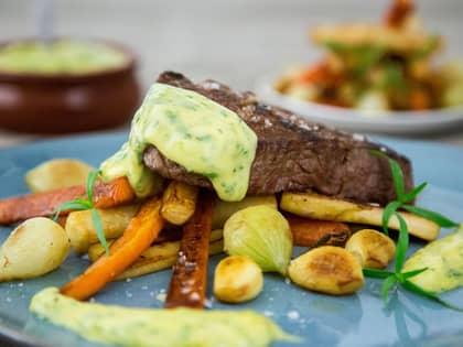 Saftig biff med béarnaise og rotgrønnsaker