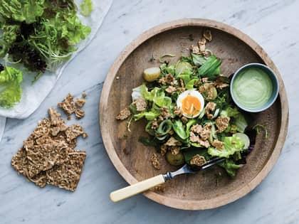 Enkel salat med ramsløkmajones