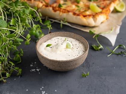 Hvit pizzasaus