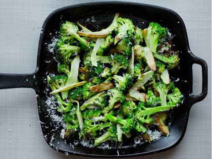 Stekt brokkoli med parmesan