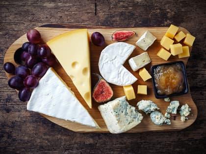 Enkelt ostefat med tilbehør