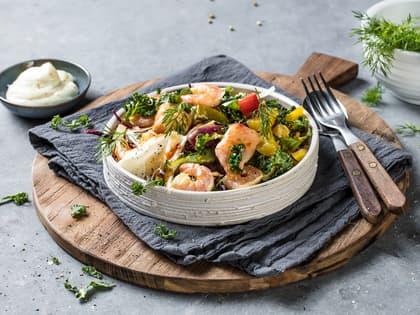 Fiskewok med grønnkål og sweet chilisaus