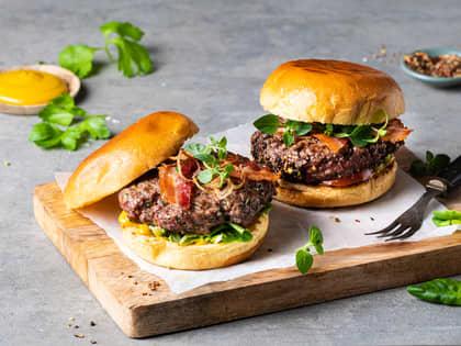 Slik lager du hjemmelaget hamburger