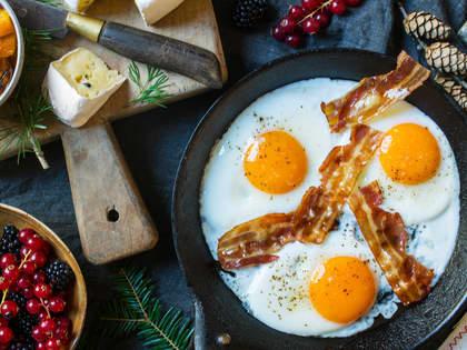Egg og bacon er en klassiker på frokostbordet