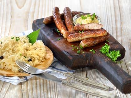 Bratwurst og sauerkraut