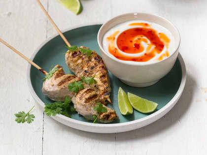 Marinerte kyllingspyd med yoghurtdipp