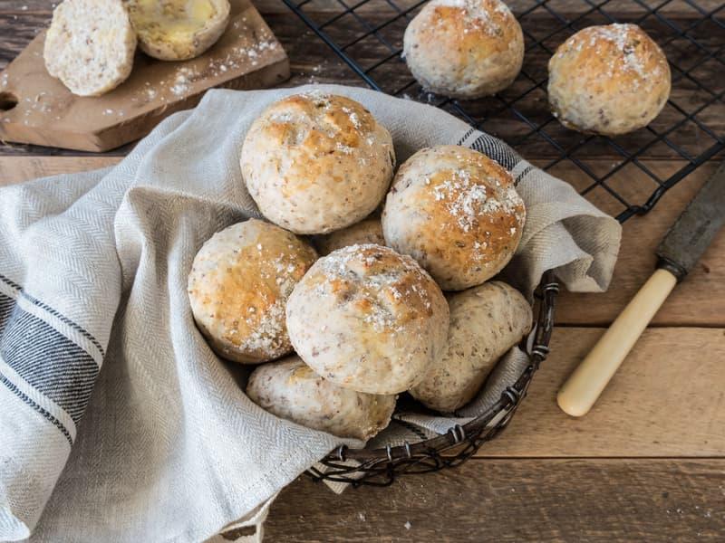 Hjemmebakte brød og rundstykker