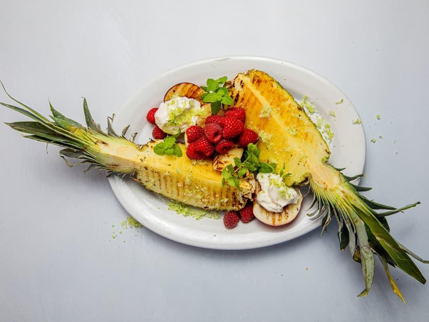 Prøv frukt på grillen i sommer