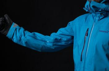 Norrøna lyngen driflex jacket mens blue