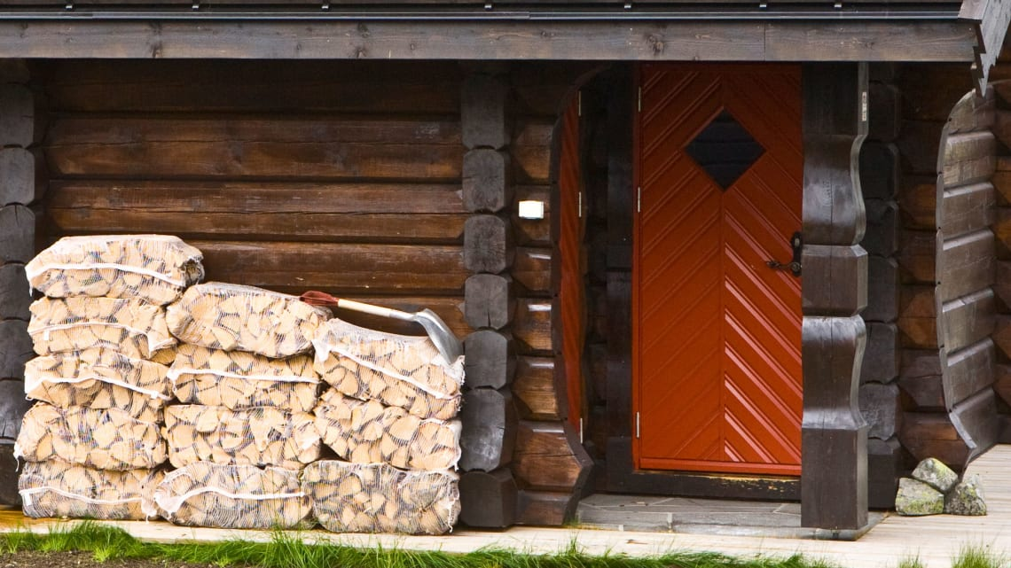 Mye ved til hyttene