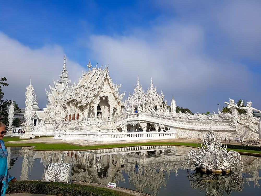 One Day Chiang Rai Tour and White temple