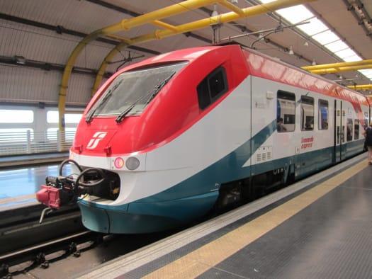 Tren Leonardo Express en Fiumicino