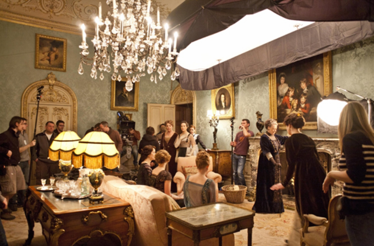 Brilliant A Downton Abbey Lighting Collection Is Slated