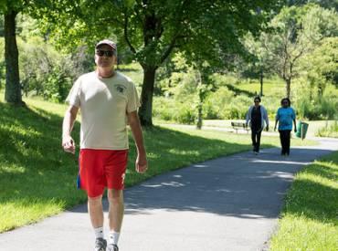 healthy aging walking 410