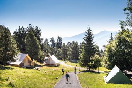 Huttopia allée tentes
