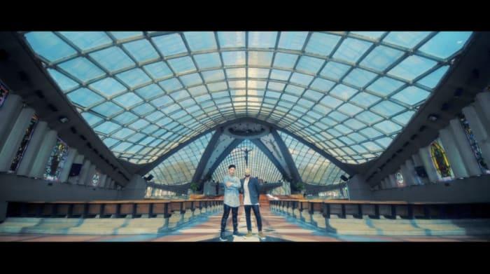 "Video preview of VideoClip: CHINO Y NACHO FT. DADDY YANKEE - ""ANDAS EN MI CABEZA"" (Video Oficial)"