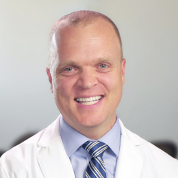 Meet Dr. Teeples, our Cirujano Oral y Maxilofacial.