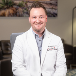 Meet Dr. Michael Moody, our Cirujano oral y maxilofacial.