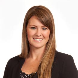 Meet Lindsay, our Administradora del Consultorio.