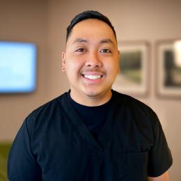 Meet John, our Asistente quirurgico.