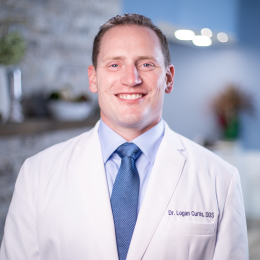 Meet Dr. Curtis, our Oral & Maxillofacial Surgeon.