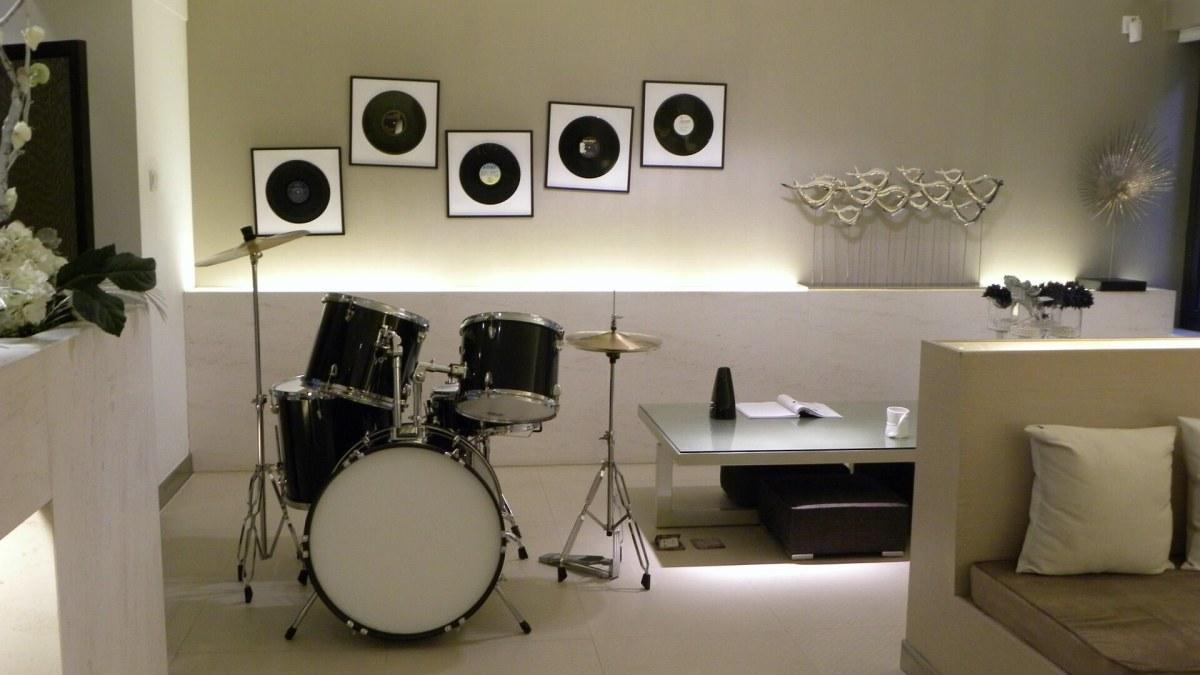 Музыкальная студия в подвале