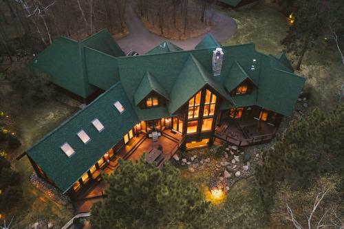 Строительство деревянных домов из бревна или бруса: что выбрать?
