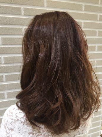 暗い髪からでもOK!艶やかブラウンカラー