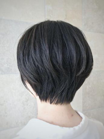 黒髮ショート