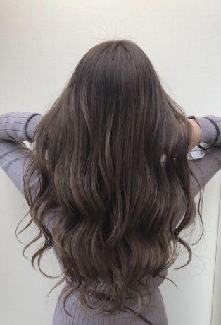 髪が多く重たく見える方にオススメ!たっぷりハイライトカラー