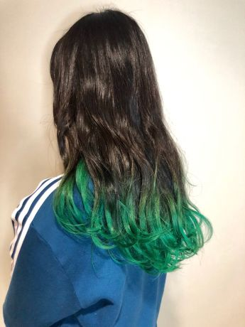 グリーングラデーションヘア