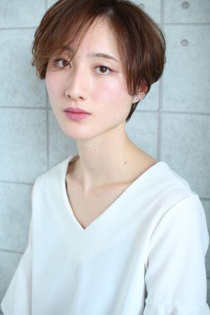 【小顔カット】横顔美人のショートスタイル