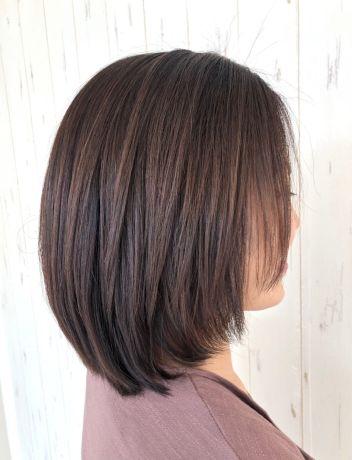 綺麗め上品なミディアムヘア