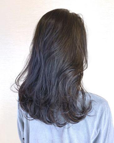 暗髪でも透けるラベンダーアッシュ