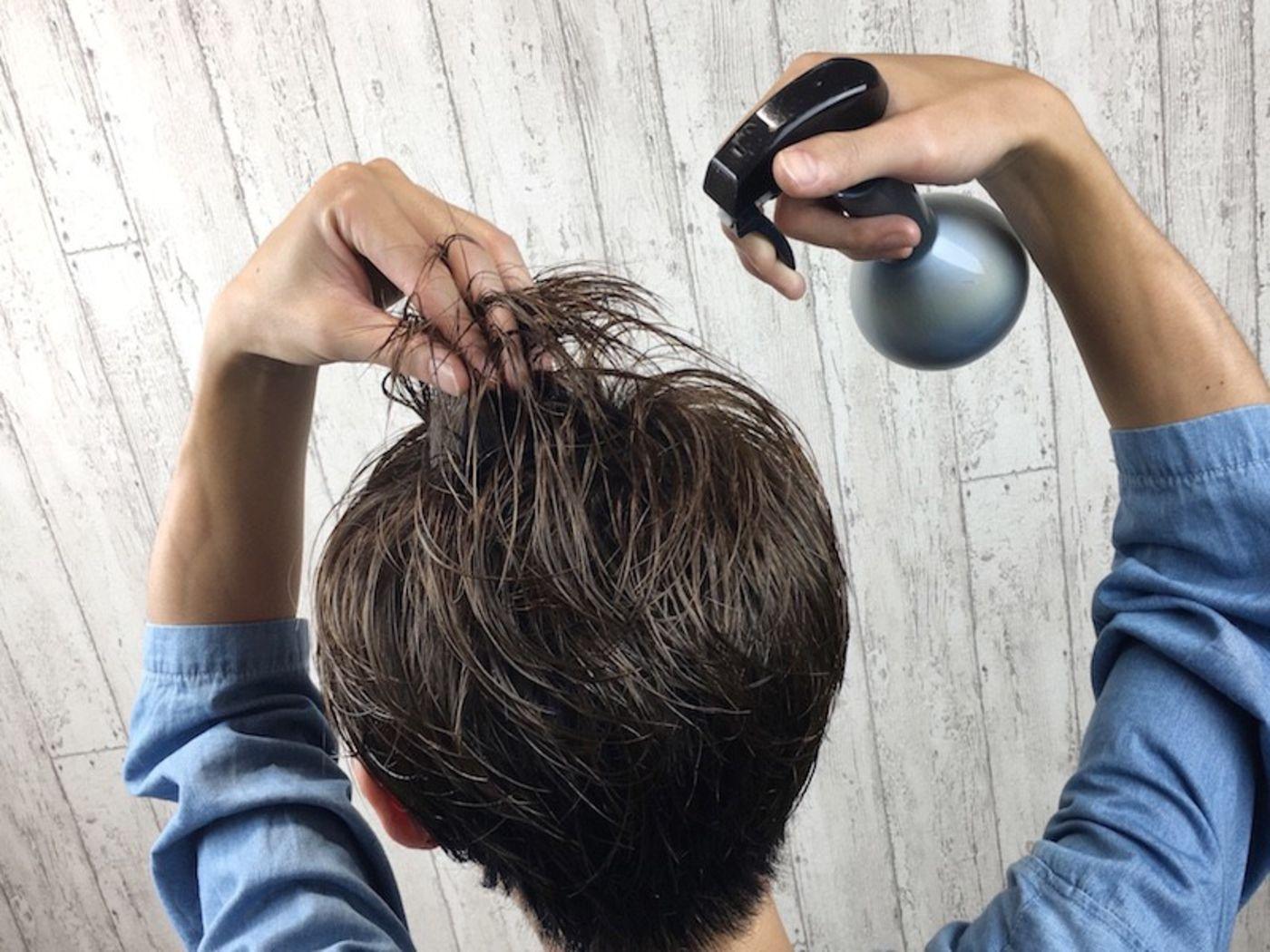 まずは髪を濡らす!