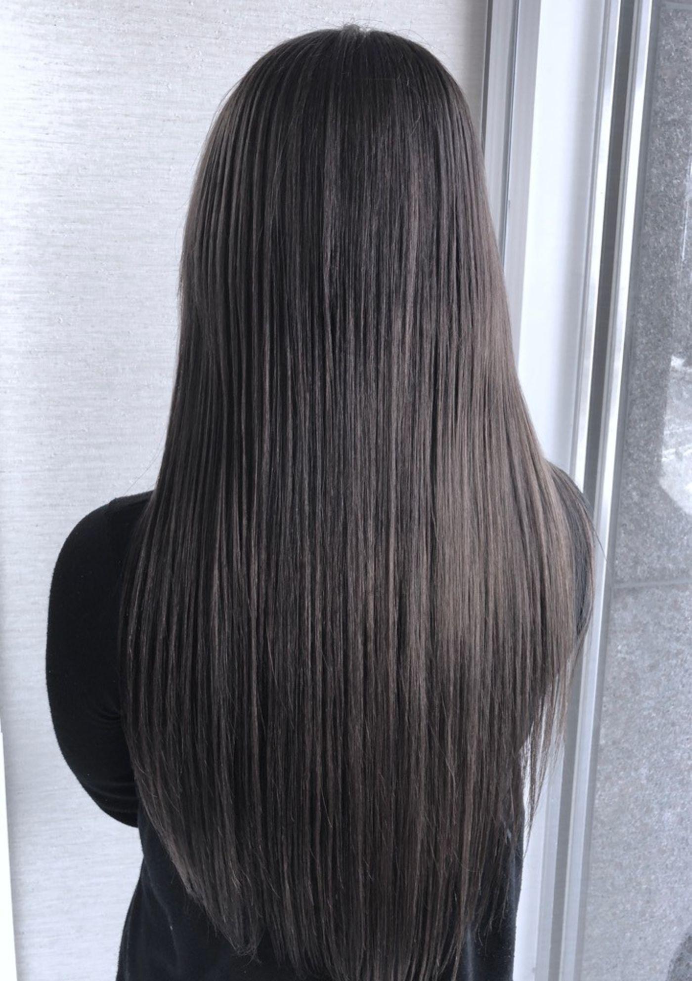 おすすめヘアスタイル3:毛先のパサつきが気になるなら、オーダーストレートで決まり!