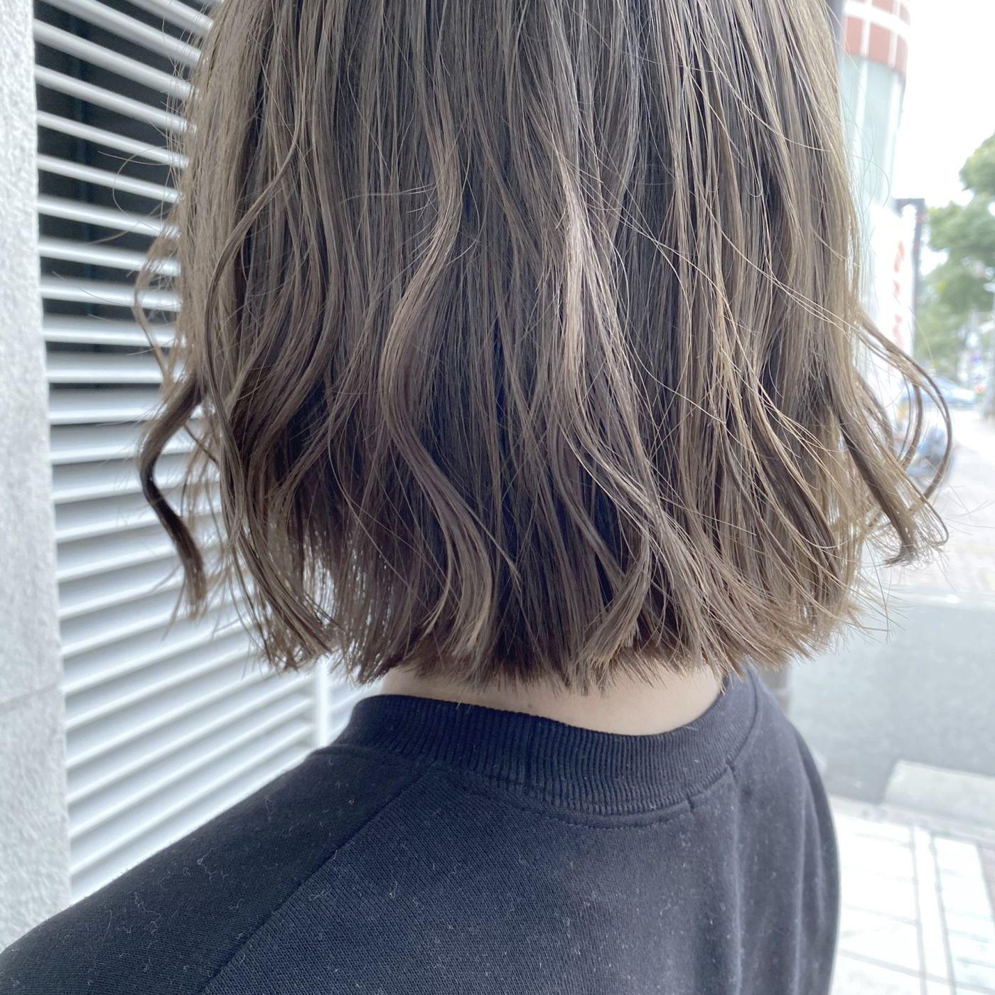 いつもとは違う髪色『オリーブベージュ』