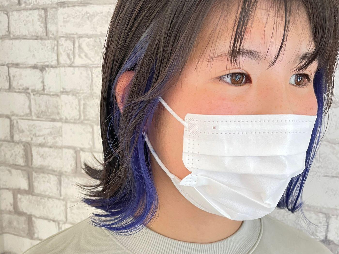 暗めカラーにブルーがかわいいイヤリングカラー