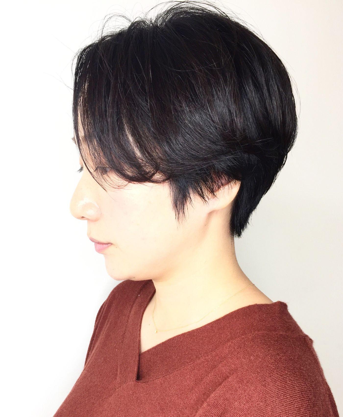 ストレートすぎる髪の毛に柔らかさを出したいならポイントパーマで柔らかいショートスタイル☆