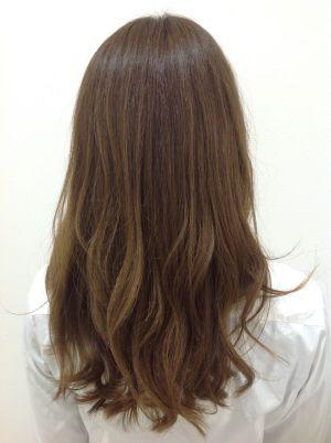 【必見】髪の毛にツヤがほしい!縮毛矯正でペタンコも嫌!前髪も全体もボリュームダウンストレートで解決!