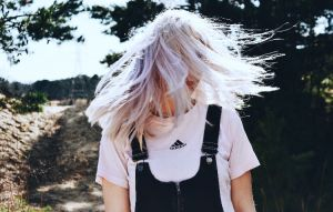 紫外線のダメージから髪を守る!UV対策と予防