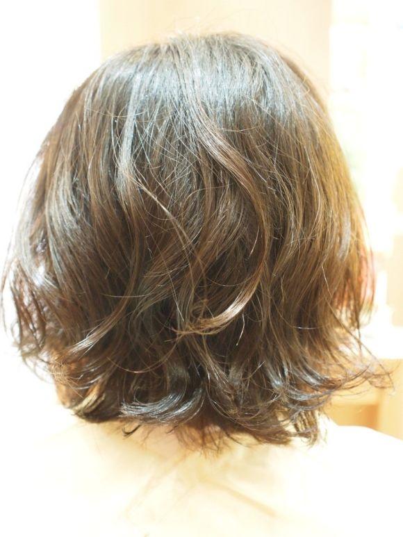 【本当のくせ毛の対象方法はこれ!】大きくうねる髪質には軽めのボブが正解♪